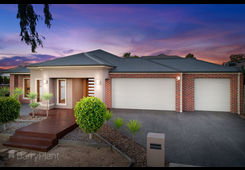 1 Strathdon Place Point Cook