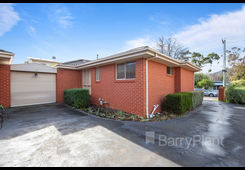 1/10 Pine Crescent Boronia