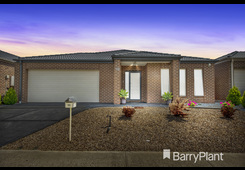 18 Triandra Drive Brookfield