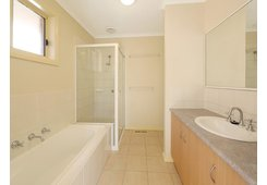 2/17 Lakeview Avenue Rowville image