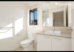 27 Bensonhurst Parade Point Cook image