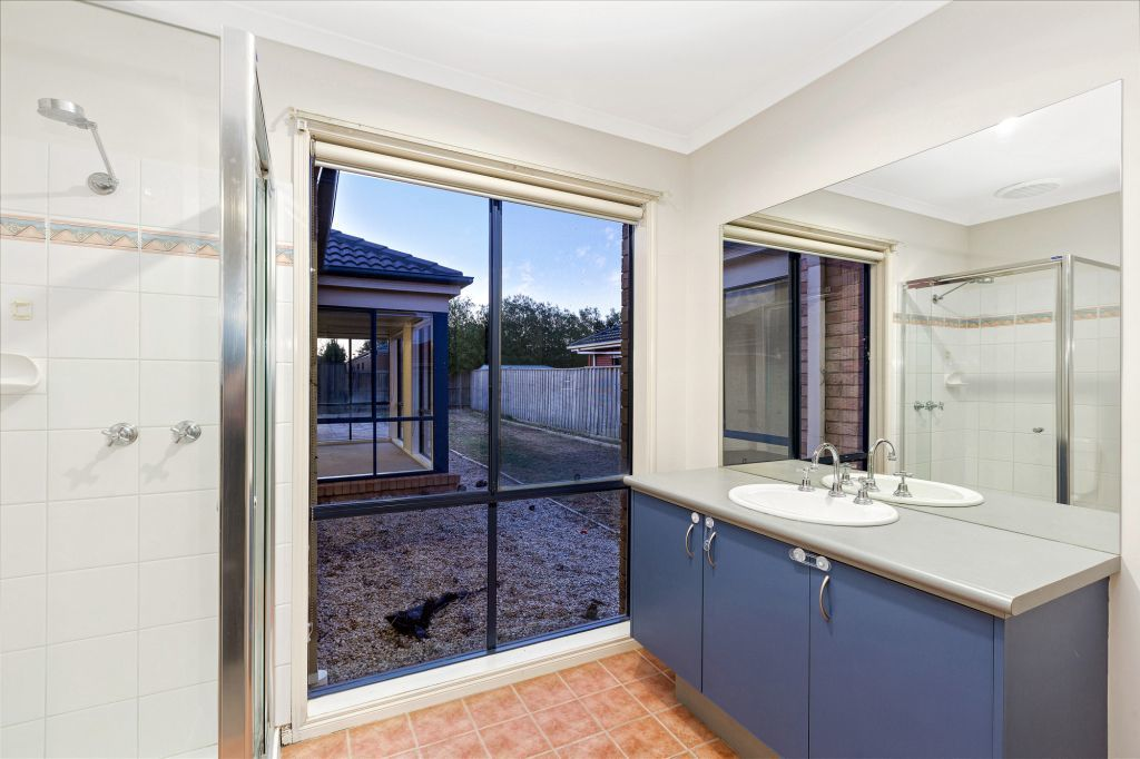 4 Ancona Court Point Cook